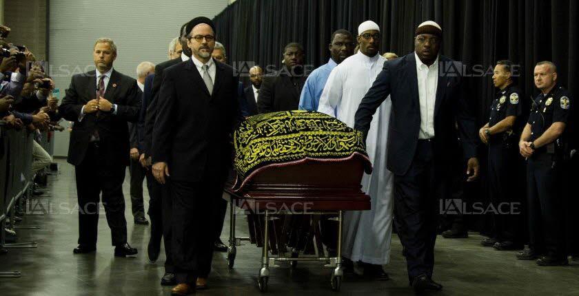 Les émouvantes images des funérailles de Mohamed Ali