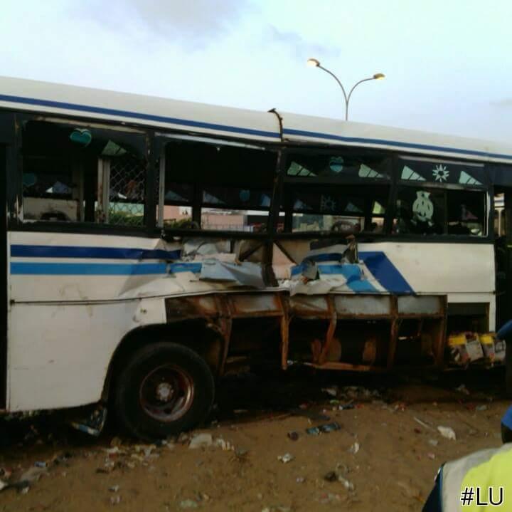 Derniere Minute: Collision entre un bus et un train : 2 morts, 16 blessés