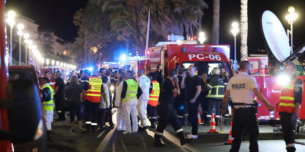 Attentat de Nice : le bilan grimpe à 84 morts, une dizaine d'enfants, le suspect pas fiché.