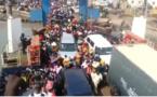 VIDÉO Incroyable : Regardez comment les Gambiens commencent à quitter le pays au Terminal du Ferry de Banjul – Regardez.