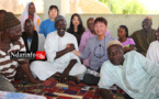 Poignée de mains fraternelle entre le directeur local de la KOICA et le Chef de Village Aliou Amadou Racine KANE