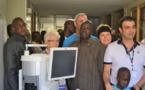 Chirurgie de l'œil par laser : une première opération réussie à l'hôpital de Saint-Louis (vidéo)