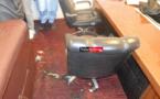 UGB – Le bureau du recteur vandalisé. Du caca versé partout … (vidéo)