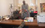 """UGB - Ousmane THIARÉ relate les faits : """" Le président du CESL m'a dit, Monsieur le Recteur, nous venons vous assiéger avec des (…) J'ai perdu ma machine et mes données """" (vidéo)"""