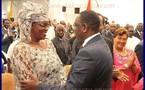(PHOTOS) Le nouveau couple présidentiel en pleine discussion.