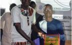 """Les étudiants de l'UGB célèbrent le """"mythique"""" coach Jean Sibadioumeg Diatta pour sa contribution au rayonnement de l'Université"""