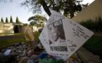 Mandela a passé une troisième nuit à l'hôpital, l'Afrique du Sud prie