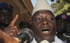 Le président gambien accuse le Sénégal d'offrir l'asile à des opposants.