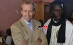 SÉNÉGAL/USA: En visite à Saint-Louis, Lewis Lukens s'est rendu au centre de talibés « La Maison de la Gare ».