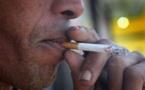 L'Assemblée nationale adopte la loi anti-tabac.