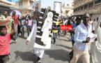 DIRECT – SAINT-LOUIS : les mourides marchent contre Jeune Afrique (Photos)