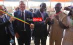 Le Président et la Coodonnateur du Partenariat, le maire et le Gouverneur coupent le ruban. Crédit Photo: NdarInfo