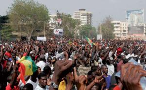 Sénégalaises, Sénégalais, debout !