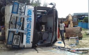 Saint-Louis : Collision entre un bus et un 4x4 (vidéo)