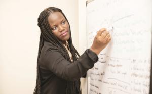 Intelligence artificielle: Adji Bousso Dieng, première femme noire professeure à Princeton