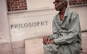 """""""Le fagot de ma mémoire"""" de Souleymane Bachir Diagne : L'itinéraire d'un philosophe de l'universel"""