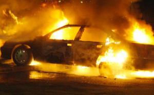 GUET-NDAR : il heurte un enfant et s'enfuit. Ils brulent le véhicule.
