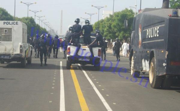 MARCHE DE L'OPPOSITION : La police lance des lacrymogènes et disperse les manifestants