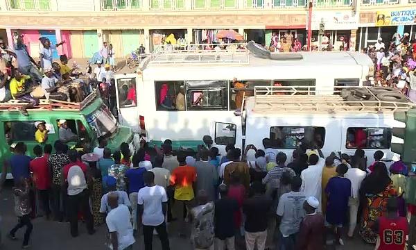 En Gambie, l'état d'urgence accélère l'exode