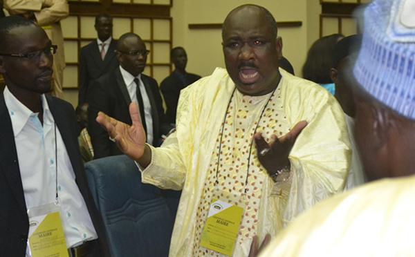 Le Syndicat national des cadres et employés de l'administration veut la levée de l'immunité de Farba Ngom et des poursuites judiciaires