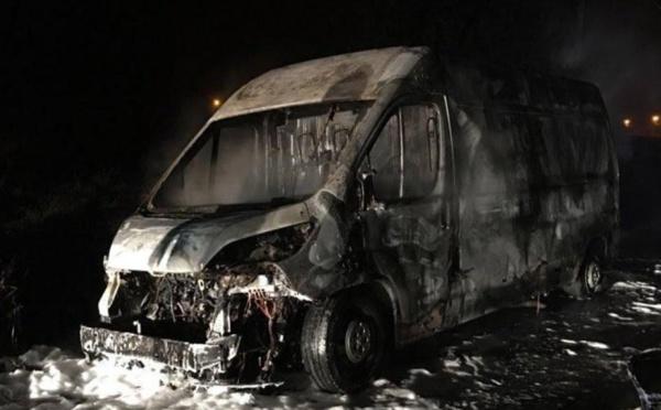 Minibus en flammes : 16 morts, 02 rescapés, dont un enfant et une vieille dame.