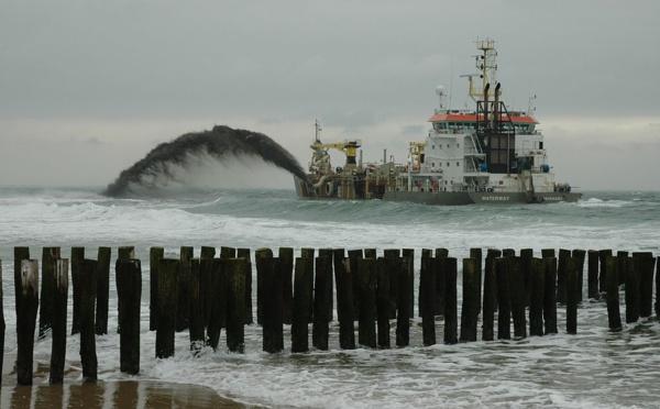 Lutte contre l'érosion côtière : Comment les hollandais récupèrent leur plage ...