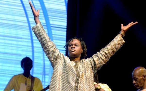 Baba Maal fait citoyen d'honneur de la ville de Compiègne