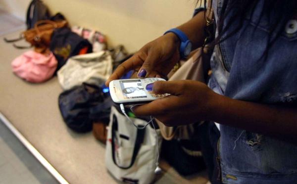 Fraudes au Bac 2017 : Un universitaire prône la coupure du signal des réseaux sociaux en période d'examen