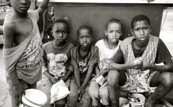 Sénégal : Human Rights Watch dénonce l'insuffisance des efforts de lutte contre la mendicité des enfants