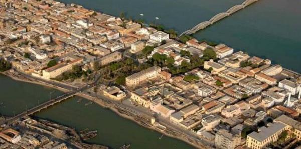 Le port fluviomaritime de l'Omvs, solution idéale contre l'érosion à Saint-Louis (universitaire)
