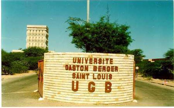UGB: En grève, les étudiants boudent le campus