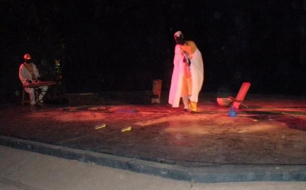 """Culture-Théâtre : La """"Compagnie Zoumba"""" avec sa """"superstition"""" conquiert Banjul"""