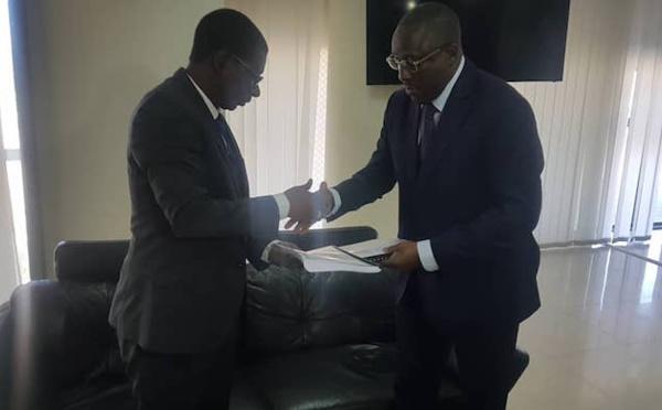 Enseignement supérieur : Mary Teuw NIANE a passé le témoin à Cheikh Oumar ANN