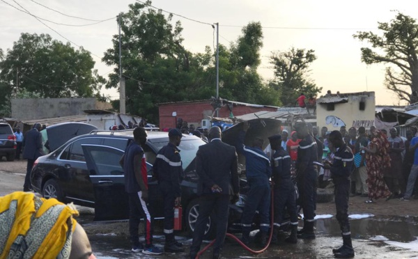 Nguéniène : La limousine de Macky Sall prend feu