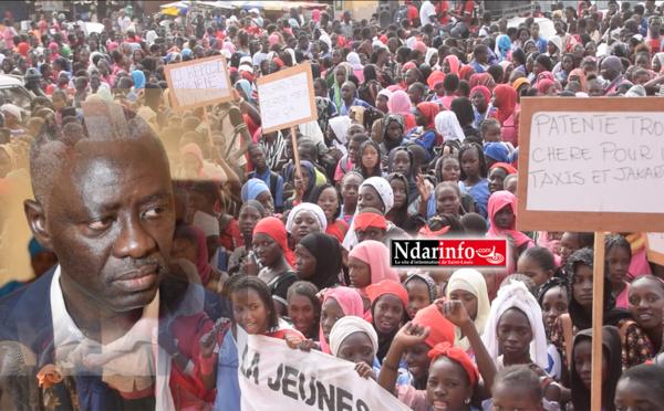 Blocage du Parcours sportif de RICHARD-TOLL : la jeunesse se mobilise contre le maire Amadou Mame DIOP (vidéo)