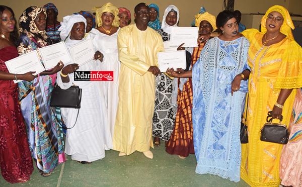 """Une enveloppe de 6 millions FCFA offerte aux femmes transformatrices des """"samedis de Babacar"""" (vidéo)"""