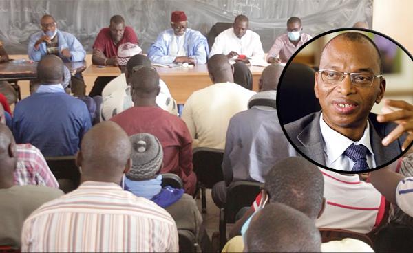 """Colère dans les champs : les riziculteurs fusitigent """"le manque de considération"""" du ministre de l'Agriculture  (vidéo)"""
