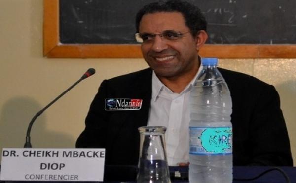 UGB : Le Dr. Cheikh Mbacké Diop actualise l'œuvre de Cheikh Anta Diop.