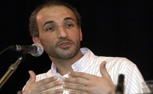 A Saint-Louis, Tarek Ramadan affirme: ''On doit décoloniser les consciences politiquement, culturellement, économiquement''