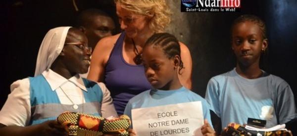 Education : des kits scolaires remis à 1000 filles de Saint-Louis.