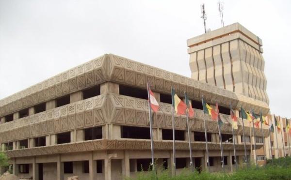 SENEGAL-UNIVERSITE:  L'UCAD et l'UGB rejoignent les autres universités en signant le protocole avec le gouvernement