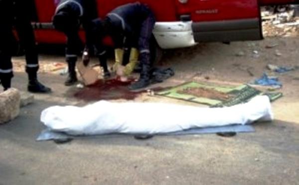 Collision mortelle entre un scooter et un véhicule à l'entrée de Saint-Louis : deux hommes meurent tragiquement.