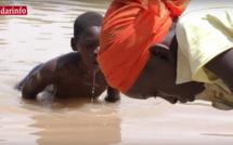 Enfants du village de Bopu THIOR, privé d'eau potable à moins de 2 kilomètres de Saint-Louis