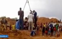 Thierno Alassane Sall médusé par la grue faisant traverser les populations de Sinthiou Garba