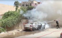 Saint-Louis : Un véhicule prend feu sur l'avenue des Grands Hommes à Ndioloffène